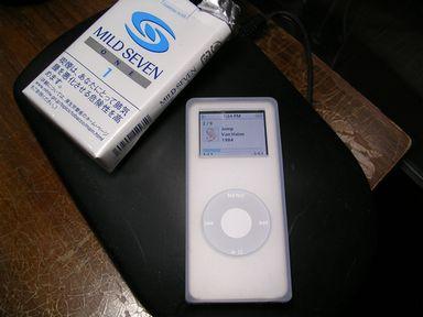 Apple iPod nano 4GB ホワイト [MA005J/A]