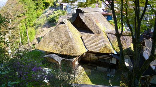 萱葺山の家