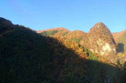 中日原から見える稲村岩
