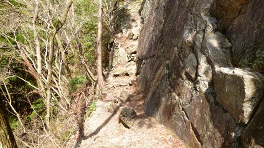 右上が葛籠岩山
