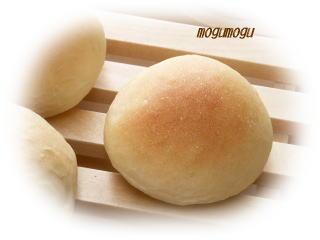 初の手ごねパン