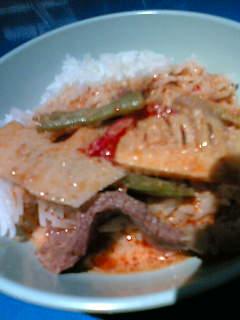 牛肉とたけのこのレッドカレー300円(西荻昼市)