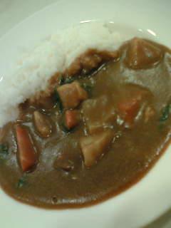 季節野菜のチキンカレー580円