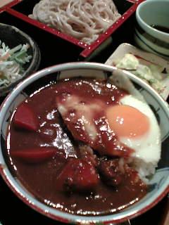 日替わり定食800円(目玉焼カレーライス+もりそば)