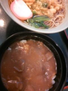でかき揚げそばカレー丼セット550円(セール価格。通常610円)