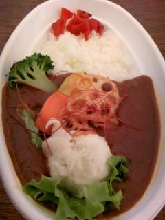 季節の野菜スパイシーカレー300円