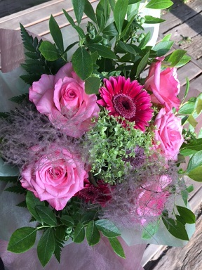 誕生日を祝う花束