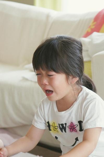 泣く0623a1