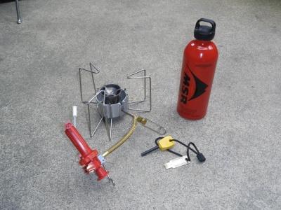 ドラゴンフライと燃料ボトル