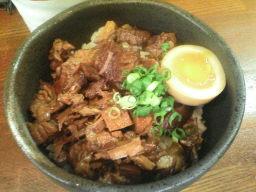 麺や八雲のチャーシュー丼