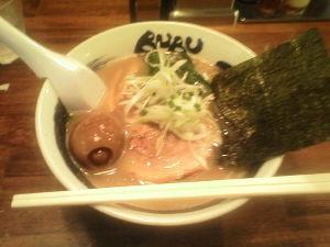 茅ヶ崎BUBUのしょうゆラーメン(大盛り)+味玉入り