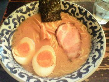 九段斑鳩の煮玉子入りらー麺