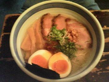 九段斑鳩の特製塩本鰹らー麺