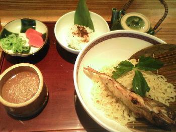 鮎ラーメンの夏季限定お昼メニュー「つけ麺」