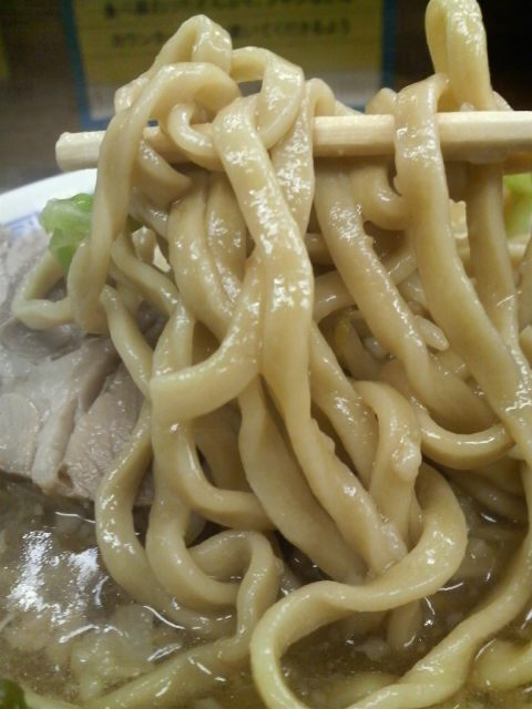 ラーメン二郎 新小金井街道店 麺の様子