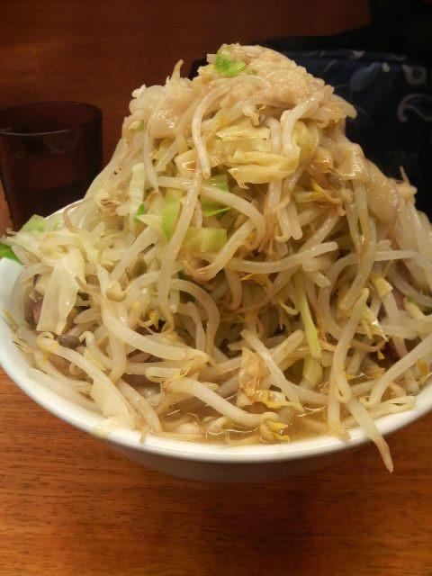 ラーメン二郎 立川店 小ラーメン野菜増し アブラ カラメ