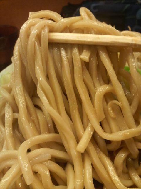 ラーメン二郎 立川店の麺