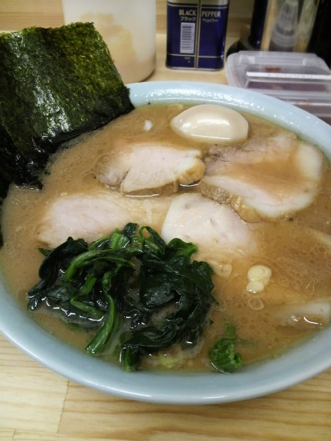 竜家 チャーシューメン中盛味玉