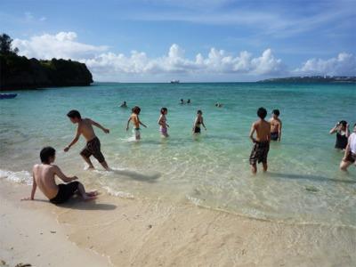 「瀬底島」のビーチ