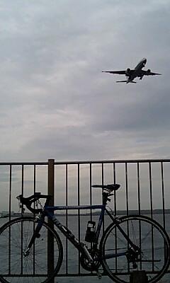 飛行機と自転車