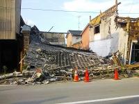 南相馬市小高区の小高駅前の商店街(2012/8/25撮影)