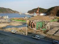 女川町立病院駐車場から見た女川港(2013/4/25撮影)