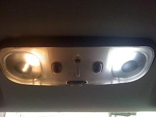 左電球右LED