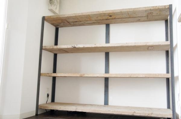 アイアンと足場板で作った棚