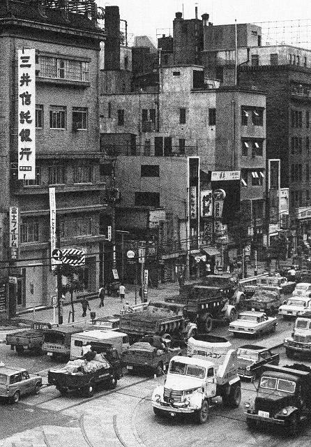 昭和30年頃の新橋カメラ