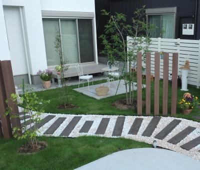 鶴ヶ島市 外構 シマトネリコを植える