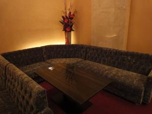 VIPルームのフカフカソファ。