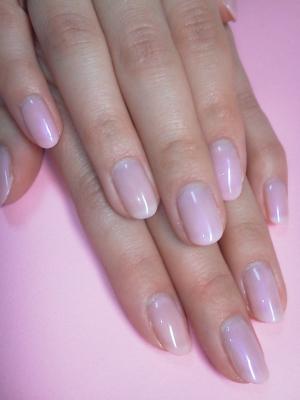 薄いピンクのワンカラーです