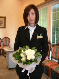 お花がとてもお似合いの、お二人の担当プランナーさん!!