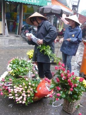 路上で花売り^^
