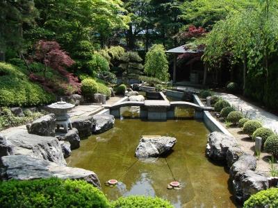常福院庭園(堀跡)