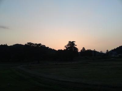金色堂に沈む夕陽