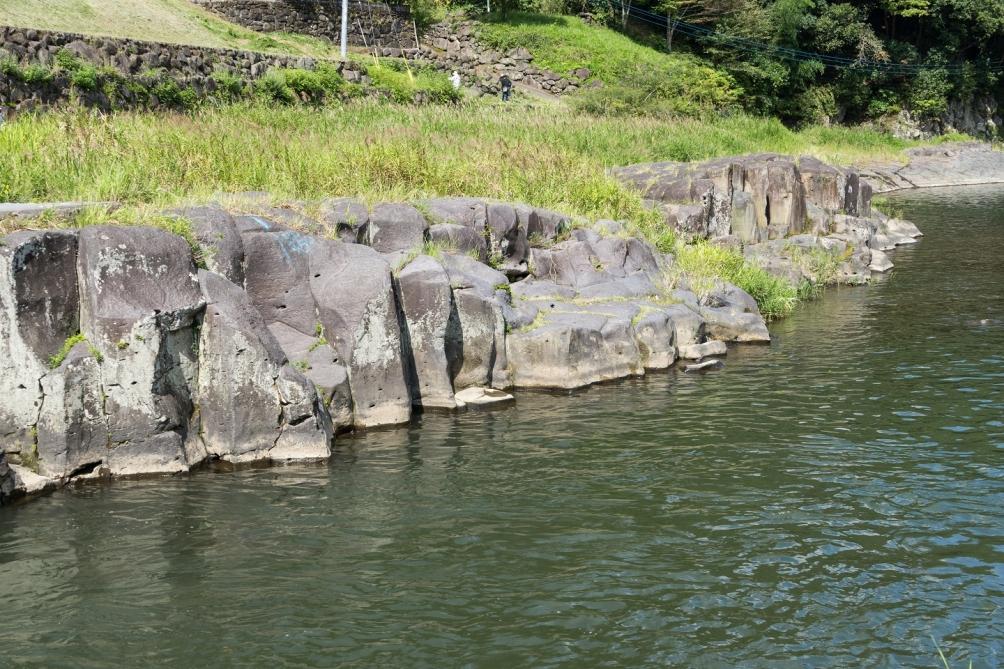 十川の柱状節理