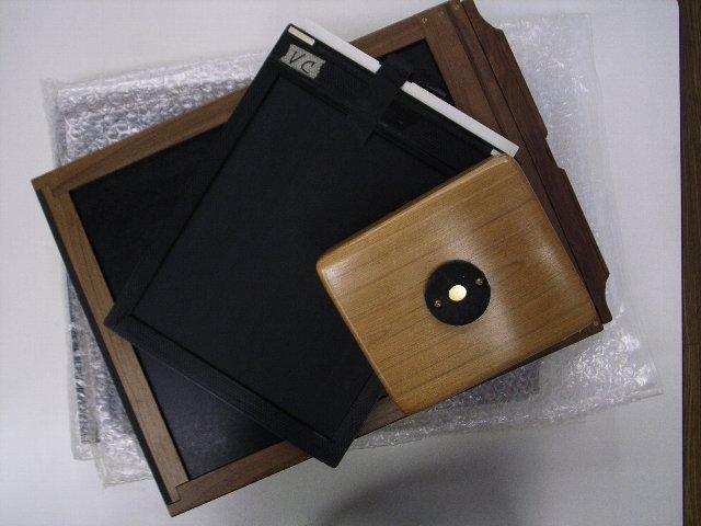 11×14ホルダーと8×10ホルダーと4×5ピンホールカメラ