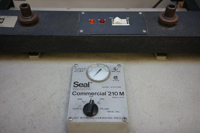 Seal 210
