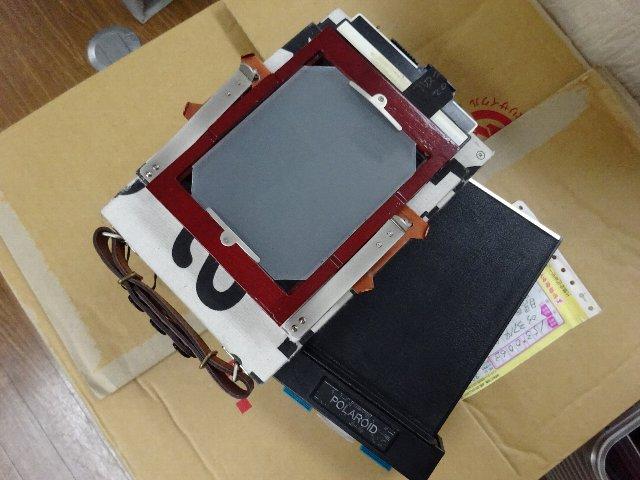 マリメッコカメラに4X5のカットフィルムホルダーを装填
