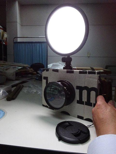 LEDビデオライトを取り付ける