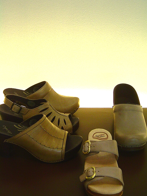 Dansko S/S2012 New Color Sand Dollar