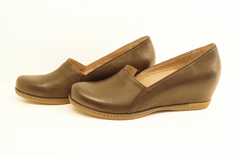 Liliana Black Burnished Nubuck.jpg