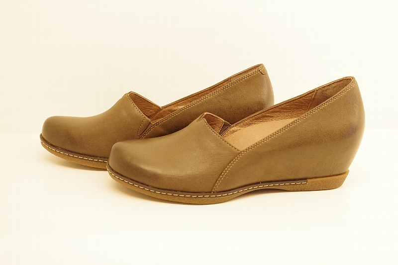 Liliana Teak Burnished Nubuck.jpg