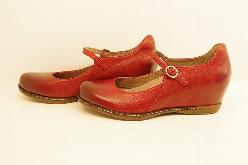 Loralie Red Burnished Nubuck.jpg