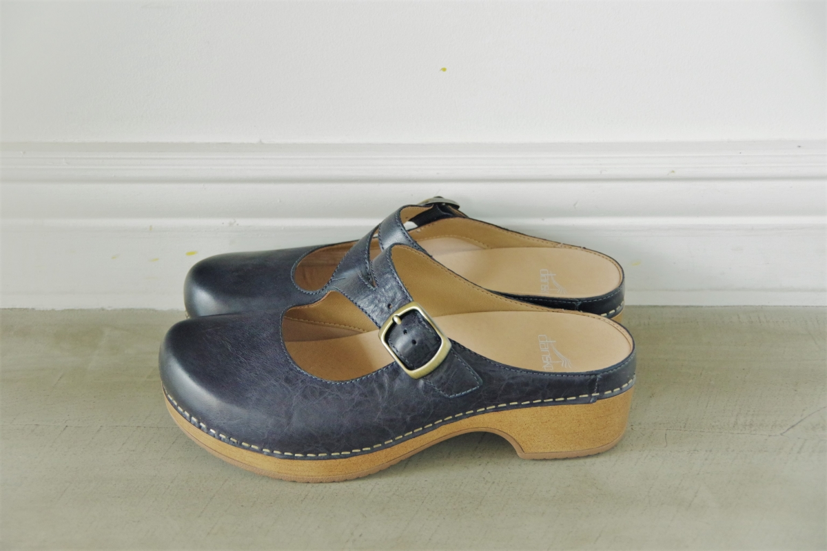 Britney Navy Waxy Burnished 24