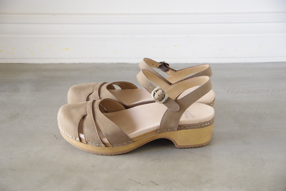 Betsey Taupe Milled Nubuck.JPG