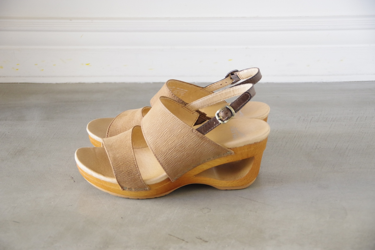 Tamia Honey Textured Nubuck.JPG