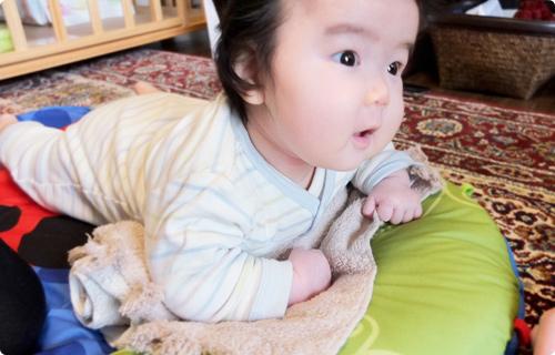 生後4ヶ月の赤ちゃんの成長と生活・育児の ...