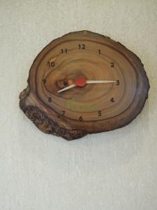 新居浜市 カフェ Lian(リアン) 木の時計